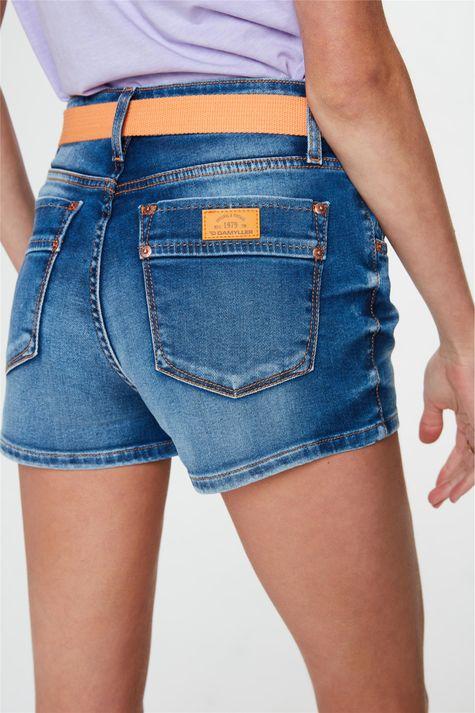 Short-Jeans-Medio-Curto-Justo-com-Cinto-Detalhe-1--