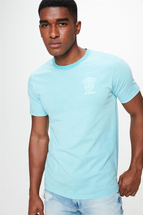 Camiseta-Estampa-Relevo-no-Torax-Frente--