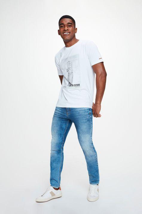 Camiseta-com-Estampa-Live-In-Denim-Detalhe-2--