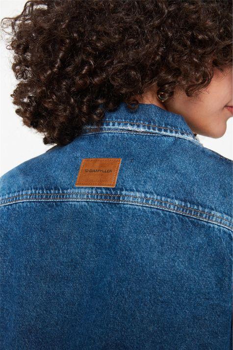 Jaqueta-Jeans-Cropped-Barra-Desfiada-Detalhe-1--