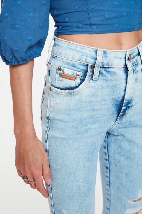 Calca-Jeans-Claro-Skinny-com-Destroyed-Frente--